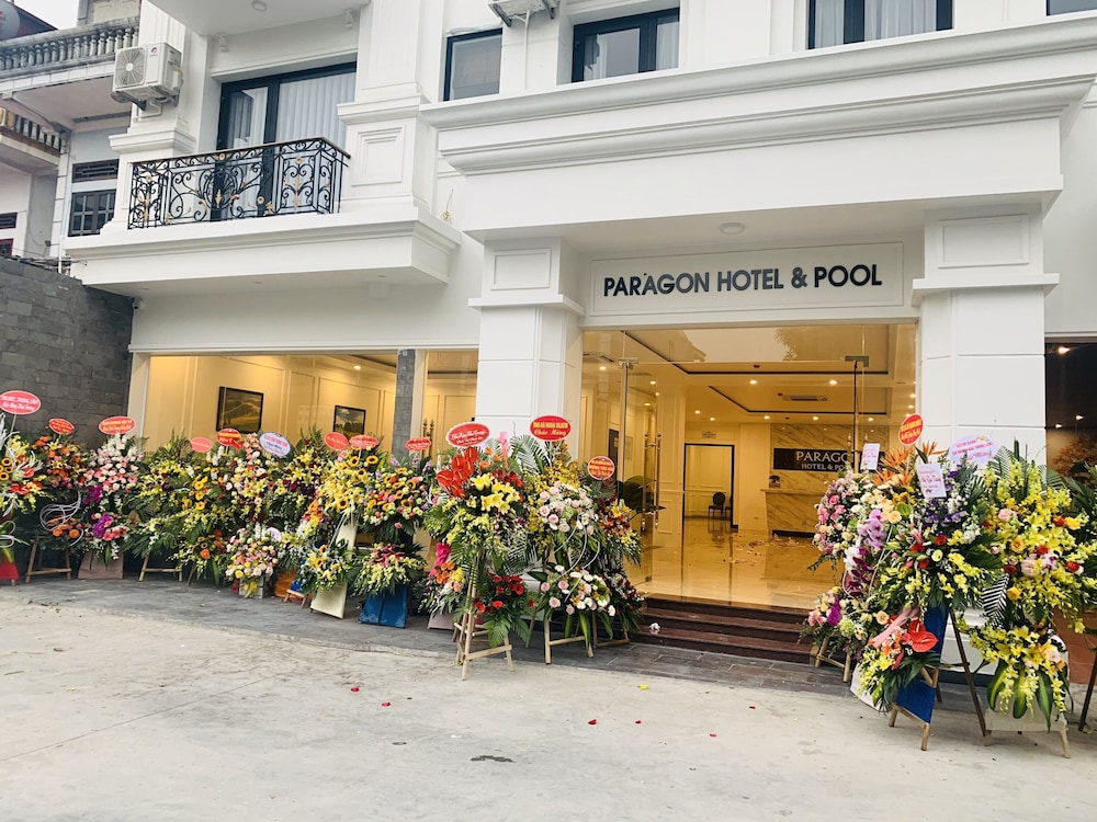 Front of Property, Paragon Noi Bai Hotel and Pool