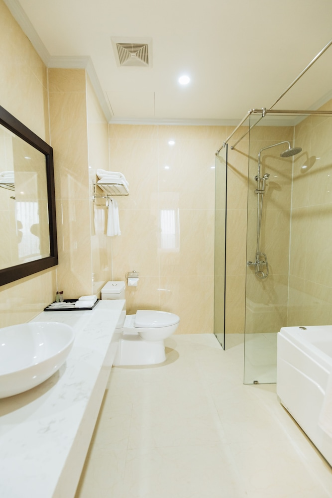 Bathroom Amenities, Paragon Noi Bai Hotel and Pool