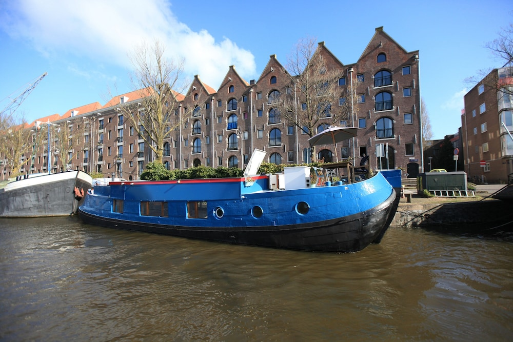 Exterior, Houseboat Amsterdam City Center