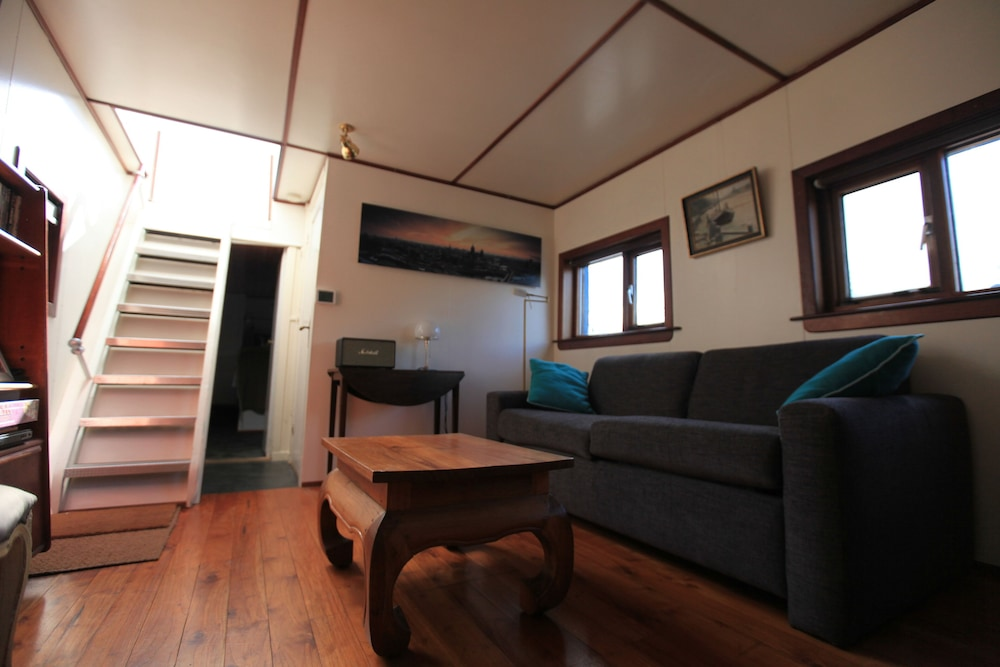 Living Room, Houseboat Amsterdam City Center