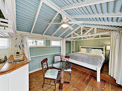 New Listing! Ohana Studio - Steps To Lanikai Beach Studio Bedroom Cabin