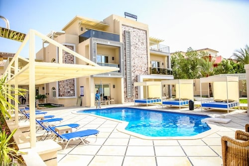 Three-bedroom Apartment at Serenity Home Hurghada