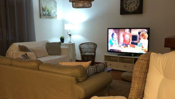 4 bedrooms, cots/infant beds, Internet