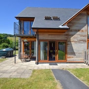 Pennal Holiday Home, Sleeps 6 With Wifi