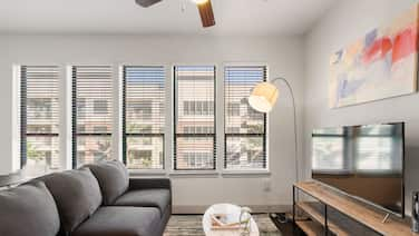 Kasa | Houston | Modern 1BD/1BA Museum District Apartment
