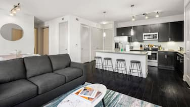 Kasa | Houston | Classy 3BD/2BA Museum District Apartment
