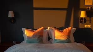 Premium bedding, blackout drapes, free WiFi, bed sheets