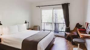 Premium bedding, pillowtop beds, minibar, blackout drapes