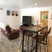 Cozy 1bd Duplex Unit - Downtown Bothell and UW Bothell