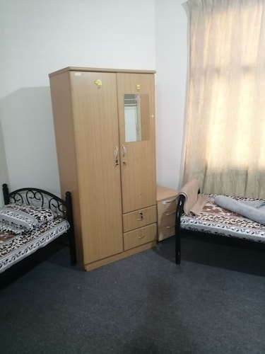 Room, We Have Shared Dormitory in Very Cheap Price.cleaning Free. Very Close to Metro Station. Friendly Guest n Host