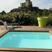 House Large Garden Swimming Pool Exceptional View and 400m From Downtown