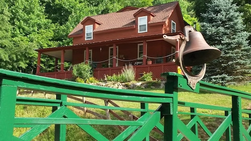 Mountain Harbour Bed & Breakfast