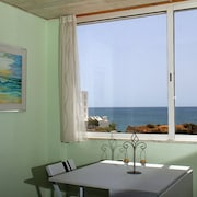 Beachfront Apartment - Marisol 2F Waterfront