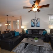 Gorgeous Vacation Condo With Heated Pool, Spa, Fitness Room, Patio, Garage