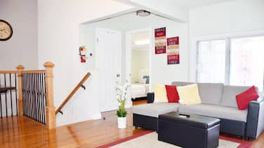 Luxurious Victorian 3BR/2BA,heart of DT, SAP, Convention centre