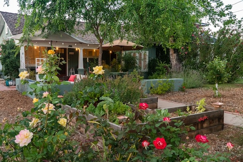 Charming Historic Bungalow in the Heart of Downtown Mesa