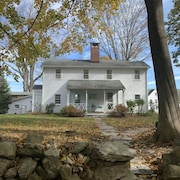 Charming Cottage Located on Historic Estate 1 Hour From Nyc!