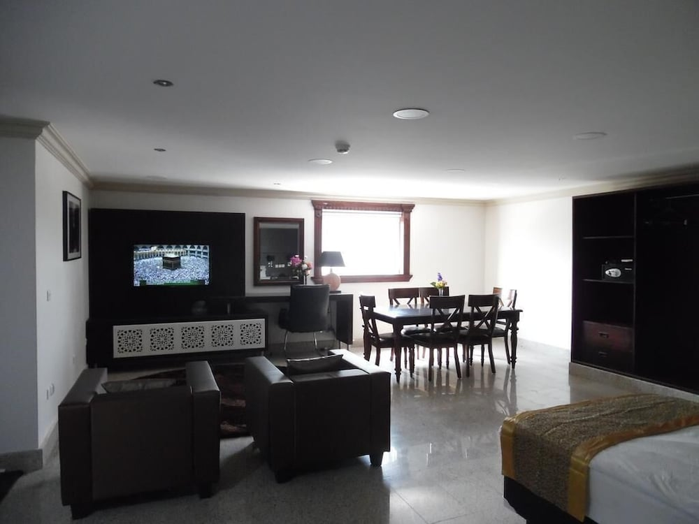 Living Area, Sudir Palace Hotel Units