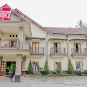 Top Hotels In Madiun From 7 Free Cancellation On Select Hotels Expedia