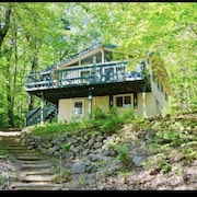 House Steps From Boulder Beach and Minutes From North Conway!