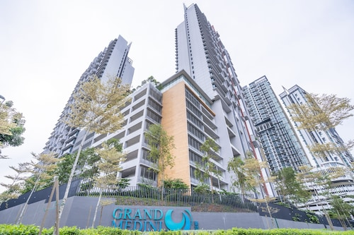 OYO Home 89724 Amazing 2br Grand Medini
