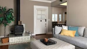 4 makuuhuonetta, silitysrauta/-lauta, Wi-Fi
