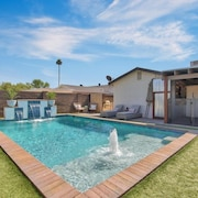 Brand NEW TO Vrbo! Best Central Location With Private Pool and Pool Table!