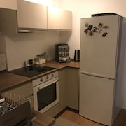 Recently Renovated Apartment With Free Parking Near Center for 4 Guests