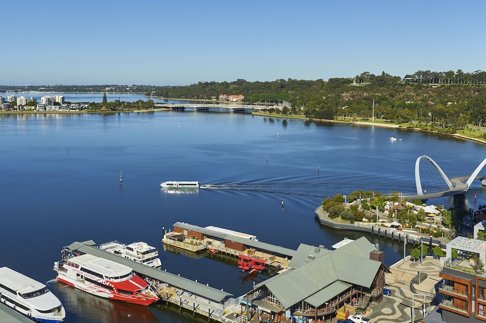 Boating, DoubleTree by Hilton Perth Waterfront