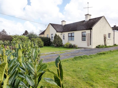 3 Bedroom Accommodation in Clogheen