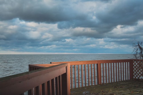 3cottages on Strip, Lakefront, AC, Wifi, Fire Pit, Deck Over Lake, Pet Friendly
