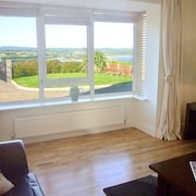 3 Bedroom Accommodation in Ardmore