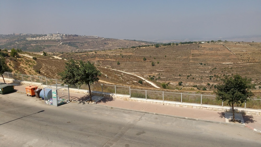 , Family Retreat Near Jerusalem for weekends and short term