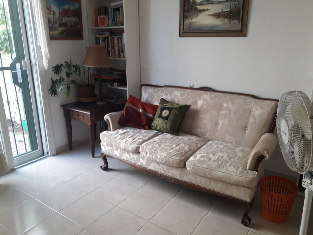 Living Room, Family Retreat Near Jerusalem for weekends and short term
