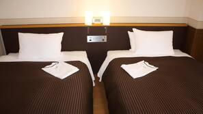 1 bedroom, free Internet, bed sheets