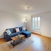 NEW Listing Prices 9minutes From ZH Main Station / Spacious / Modern
