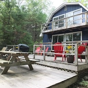 Cub Hill Cottage on Cub Lake - New! Private Lakefront With Huge Outdoor Deck!