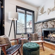 Stunning New Copper Condo Next to Ski Lifts!
