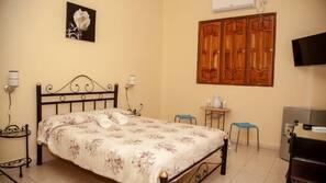 Minibar, iron/ironing board, WiFi, bed sheets