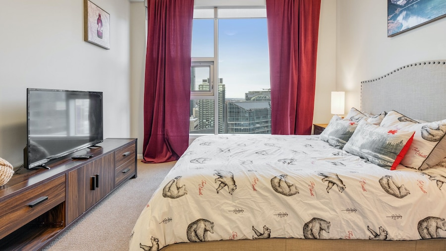 Simply Comfort. Modern Downtown Condos