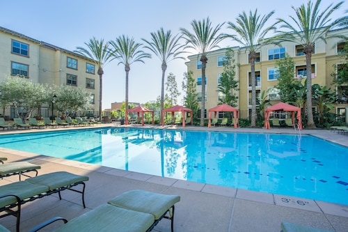 WanderJaunt - Luxe Mission Valley Apts