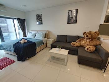 Mercu Summer Suite by Annie Homes