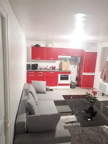 Apartment With 2 Bedrooms in Villeneuve-le-roi, With Wifi