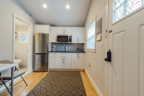 Sparkling Guesthouse in Ironbound, Mins 2 Nyc, EWR