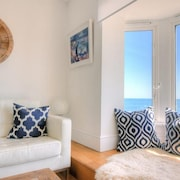 Seahorse - Two Bedroom Apartment, Sleeps 4