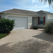 Beautiful Villa in the Heart of Florida's Friendliest Active Adult Community