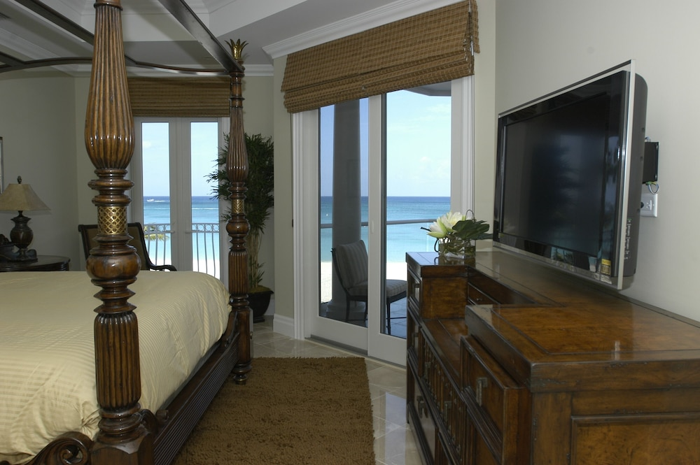 Room, Luxury Oceanfront Condo on Seven Mile Beach, Grand Cayman