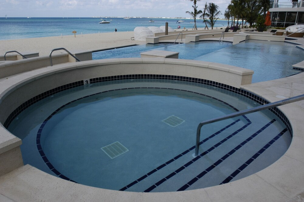 Pool, Luxury Oceanfront Condo on Seven Mile Beach, Grand Cayman