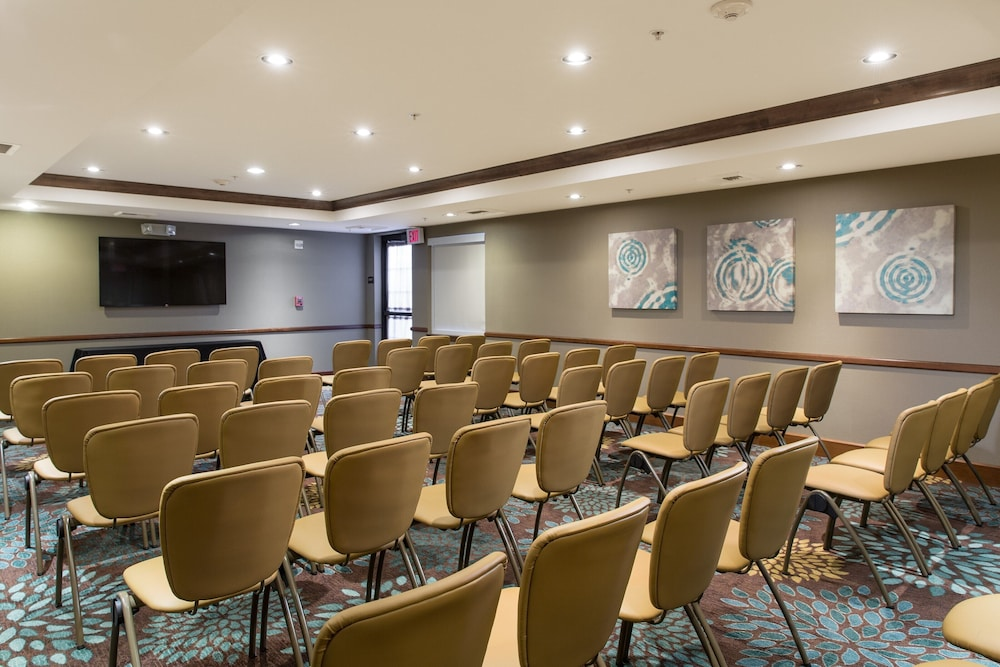 Meeting Facility, Suite With Extra Large Living Area 24h Business Center + 24h Fitness Center
