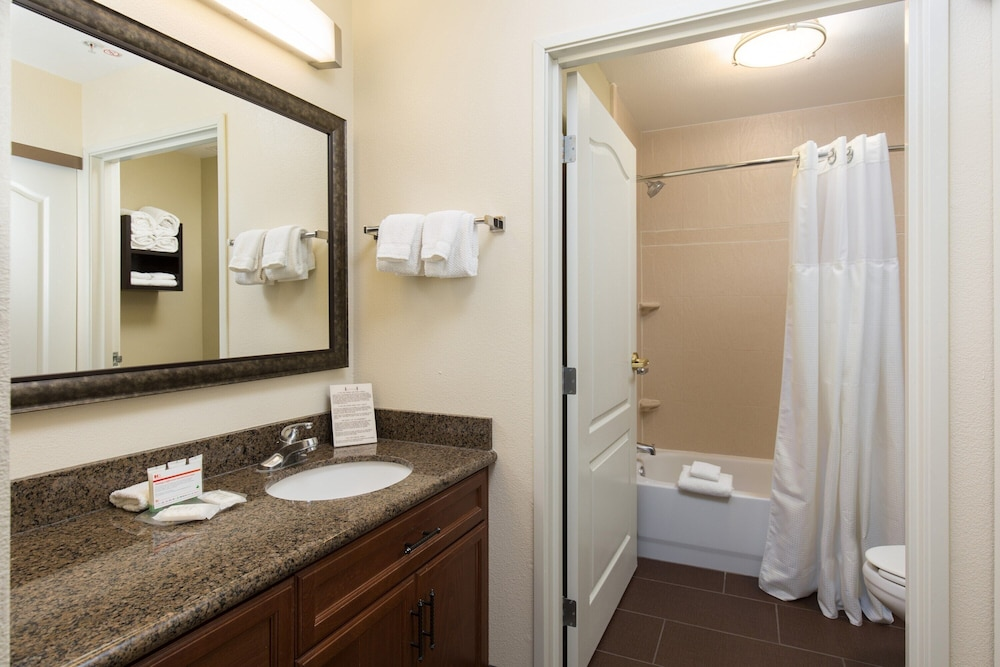 Bathroom, Suite With Extra Large Living Area 24h Business Center + 24h Fitness Center